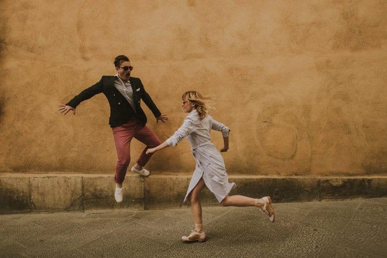 creative wedding photographer tuscany italy