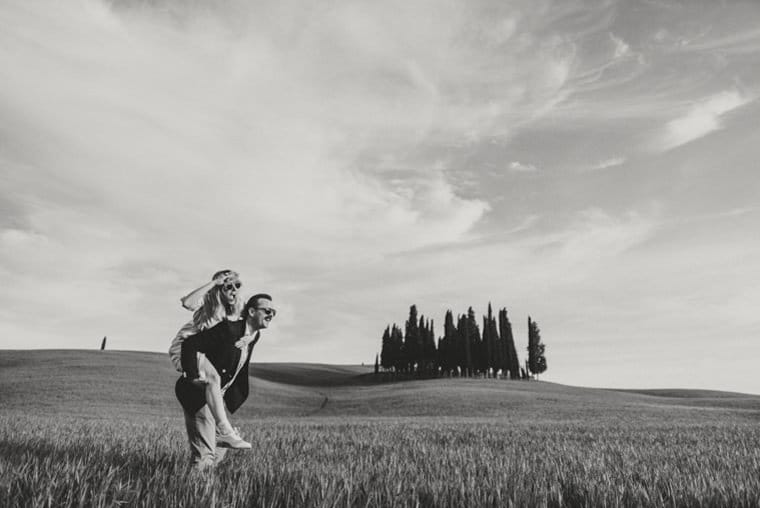 how to find a good wedding photographer in tuscany