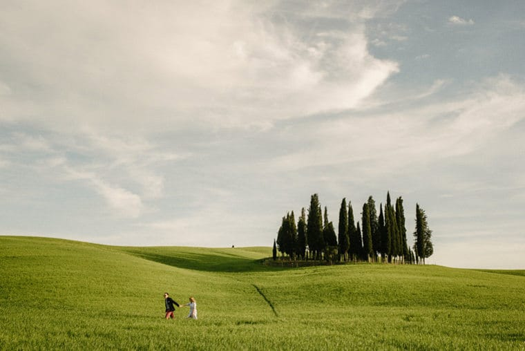 wedding photographers in tuscany val d'orcia