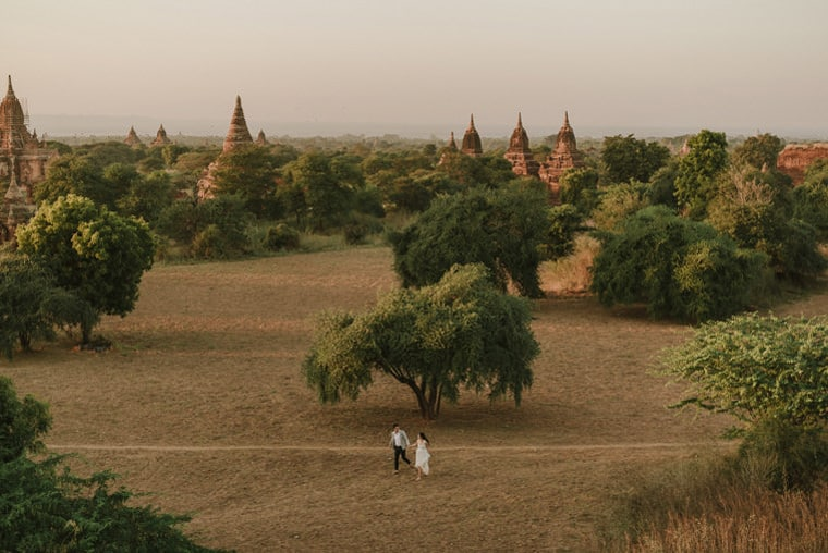 couple getting married in bagan
