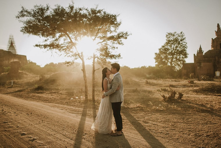 Stunning bride and groom portraits and an amazing sunlight bagan myanmar